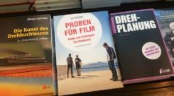Proben-fuer-Film-Buechertisch